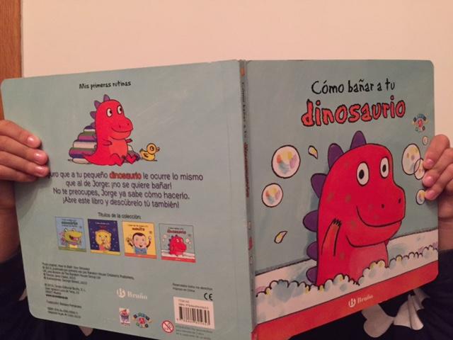 Cómo bañar a tu dinosaurio